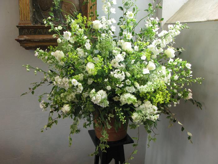 Classic Flower Designs Wedding Flowers In Bristol