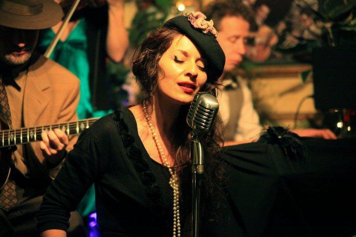 La Belle De Paris Vintage Swing Jazz Wedding Band East Sussex