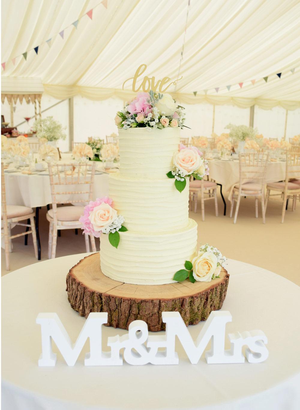 Contemporary Profiterole Wedding Cake Crest - The Wedding Ideas ...