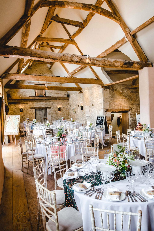 Oxleaze Barn Weddings - Wedding venue Cotswolds