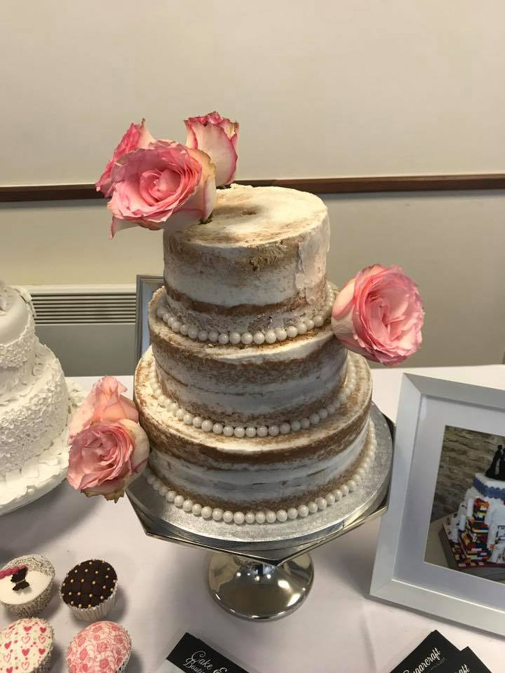 wedding cake suppliers gloucestershire cake and sugarcraft wedding cakes gloucestershire 25827