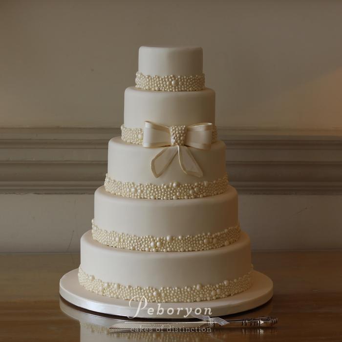 Christchurch Based Wedding Cake Makers: Wedding Cakes Cornwall