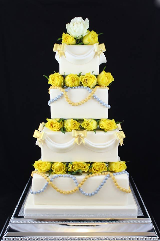 Clock Tower Cakes - Weddings Wedding Cakes Bedfordshire
