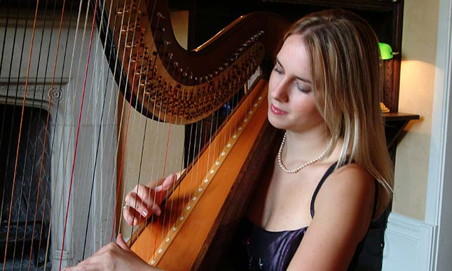 Siona Stockel Harpist and Soprano