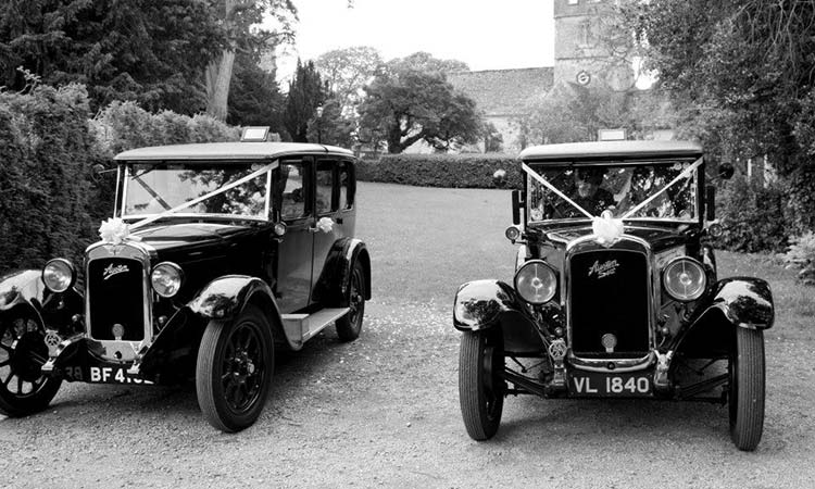 Lilly & Tilly Vintage Car Hire