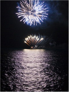 034-wedding-fireworks