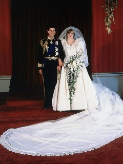 Diana's Wedding Dress Replica Sold At Auction