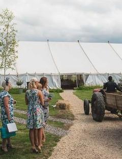 old-oak-farm-weddings-featured-venueslider